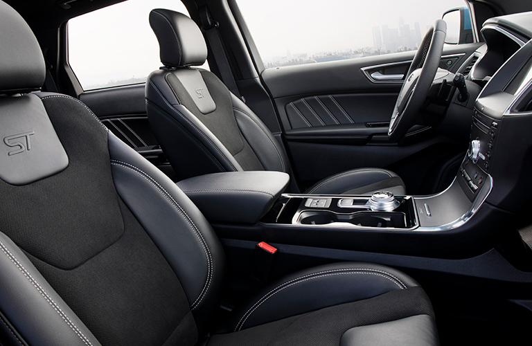 2019 Ford Edge front seats