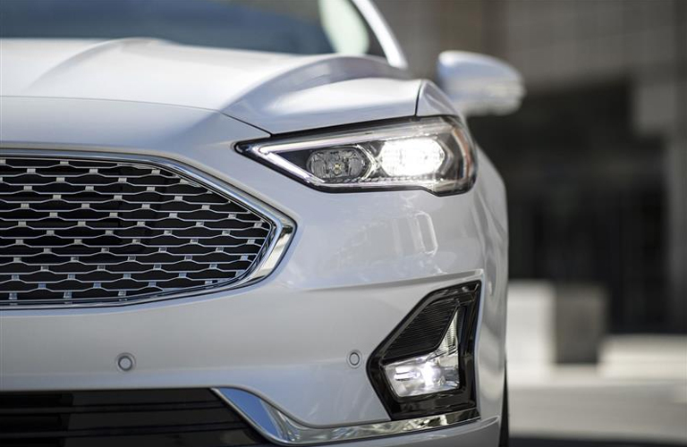 2019 Ford Fusion headlight and front fascia
