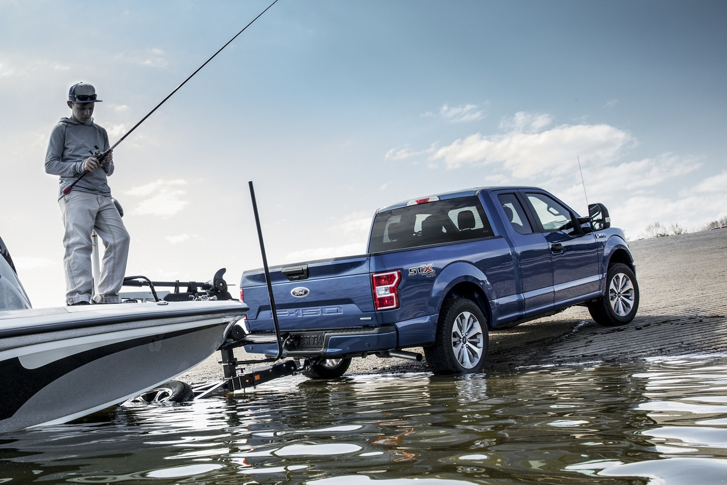 2020 Ford F-150 unloading boat into water