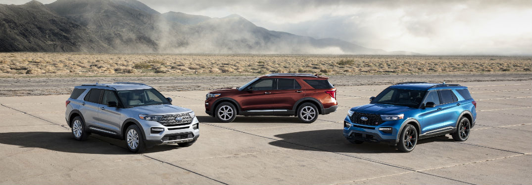 2020 Ford Explorer models on pavement