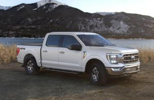 2021 Ford F-150 in color Oxford White