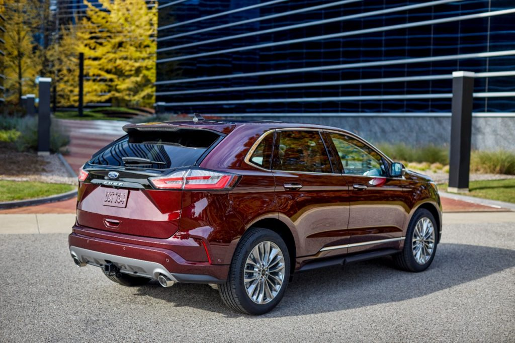 2021 Ford Edge exterior styling from rear