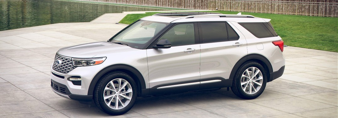 2021 Ford Explorer by scenic city water feature