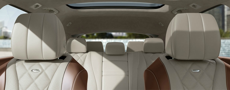 2018 Mercedes-Benz E 400 4MATIC Wagon front and back seats