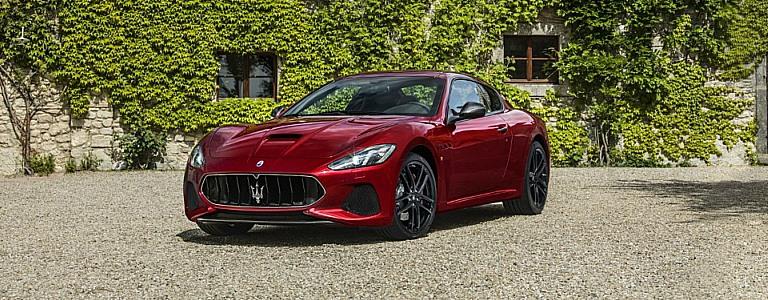 2018 Maserati GranTurismo red front side view