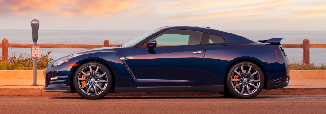 2012 Nissan GT-R blue side view