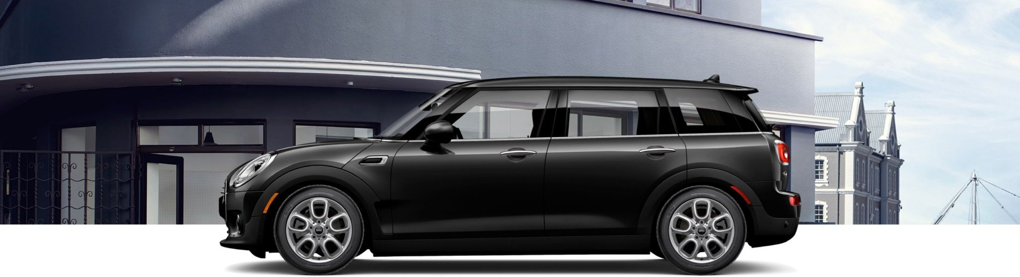 2018 MINI Clubman black side view