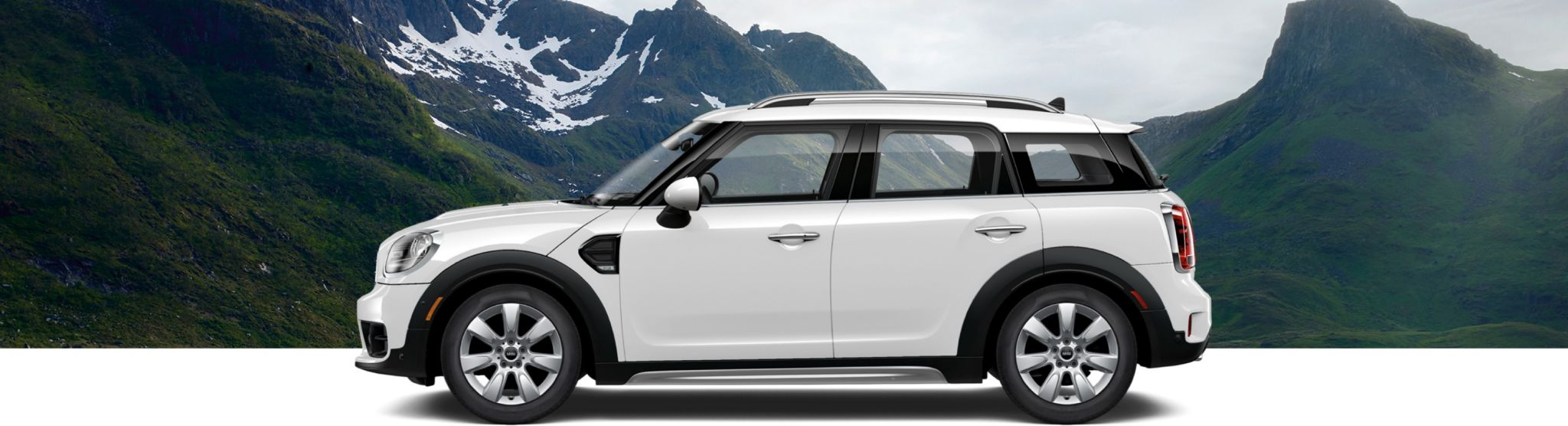 2018 MINI Countryman white side view