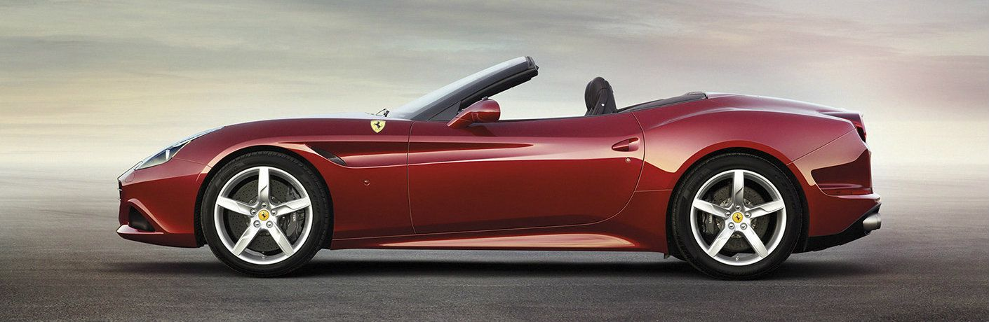 2016 Ferrari California red side view