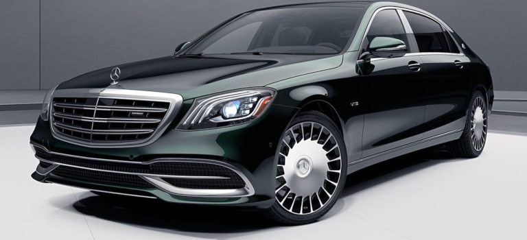 2019 Mercedes-Maybach green front side view with hood ornament