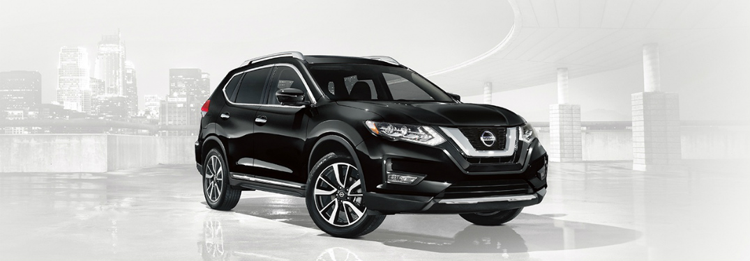 black 2018 Nissan Rogue front side view