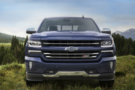 interior and technology features in the 2018 chevy silverado 1500