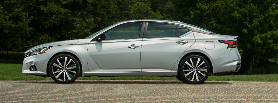 side view of silver 2019 nissan altima