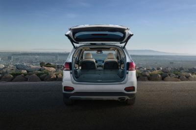 2020 Kia Sorento rear fascia trunk open cargo area