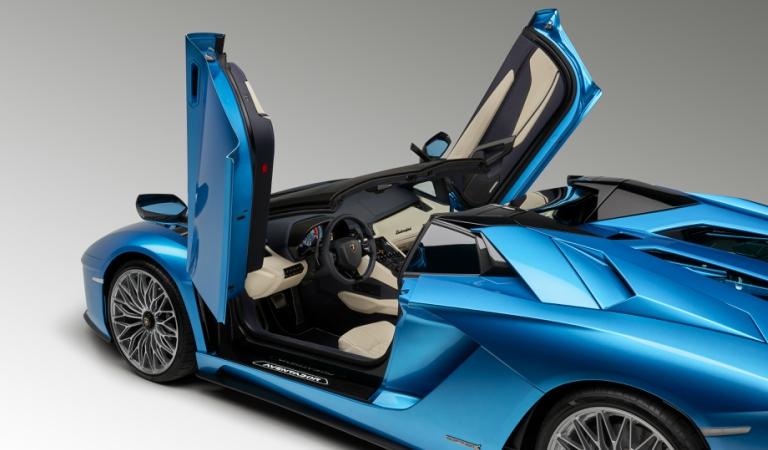 Lamborghini Aventador S Roadster Blue Doors Open