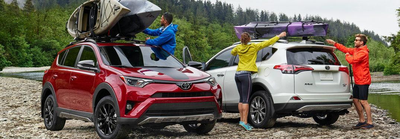 2018 Toyota RAV4 Adventure carrying kayaks
