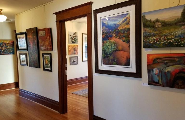 Gallery at Ten Oaks interior