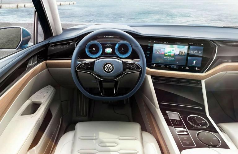 2018 Volkswagen Touareg steering and dash.
