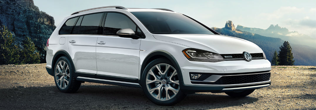 2018 Volkswagen Golf Alltrack driving parked on grass
