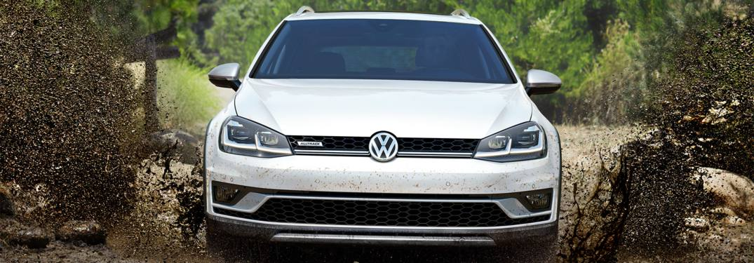 2019 Volkswagen Golf Alltrack driving through the mud