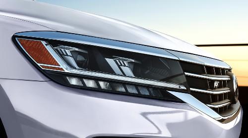 2020 Volkswagen Passat close up of passenger side headlight