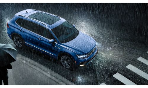 2020 VW Tiguan blue top shot in rain