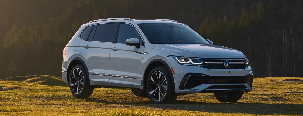 2022 Volkswagen Tiguan exterior white side view