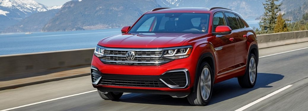 2021 Volkswagen Atlas Sport Red Front and Side View