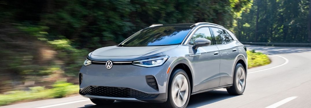 The New Volkswagen ID.4 AWD Pro S with Gradient Package on the move