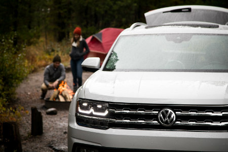 2018 Volkswagen Atlas with people camping