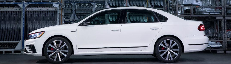 2018 Volkswagen Passat side view