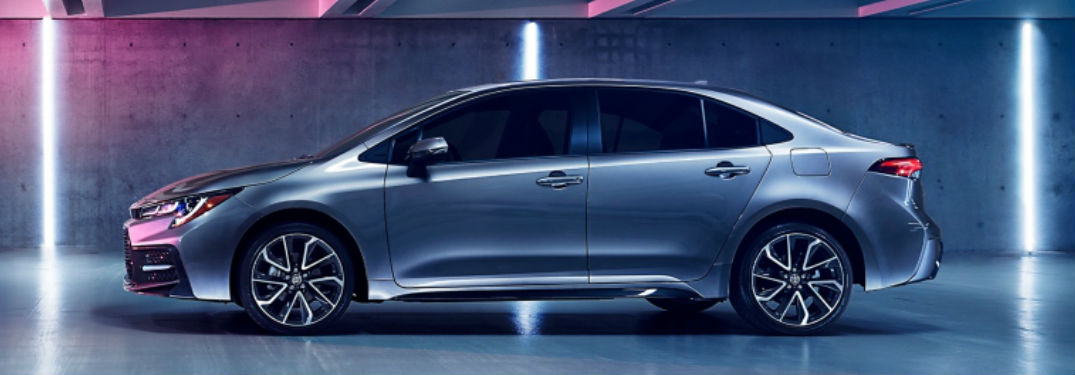 What features are inside the 2020 Toyota Corolla?