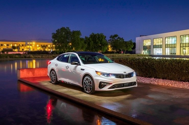 KIA AMONG TOP THREE BRANDS 2019 IIHS AWARDS