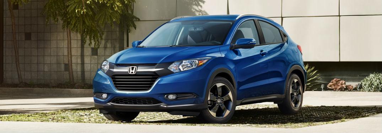 Front exterior view of a blue 2018 Honda HR-V