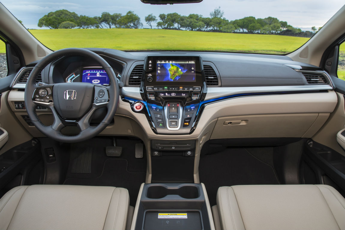 Driver's cockpit of the 2019 Honda Odyssey