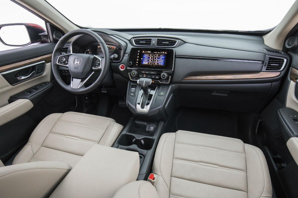 Driver's cockpit of the 2018 Honda CR-V