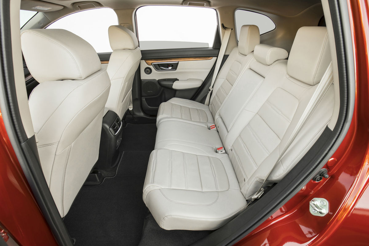 Side view of the 2018 Honda CR-V's rear seat
