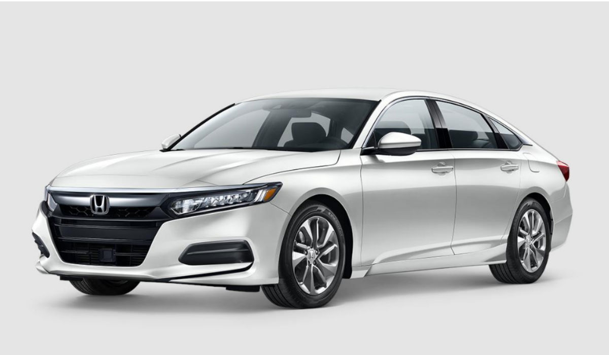 2018 Honda Accord Sedan in Platinum White