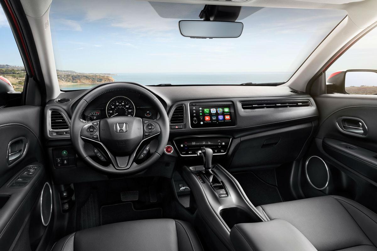 Driver's cockpit of the 2019 Honda HR-V