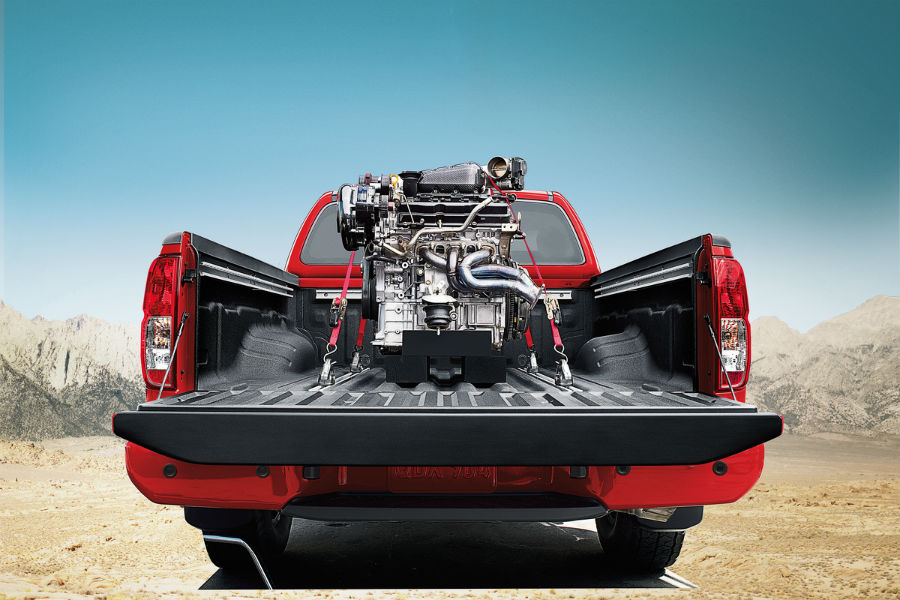 engine in the bed of 2018 nissan frontier