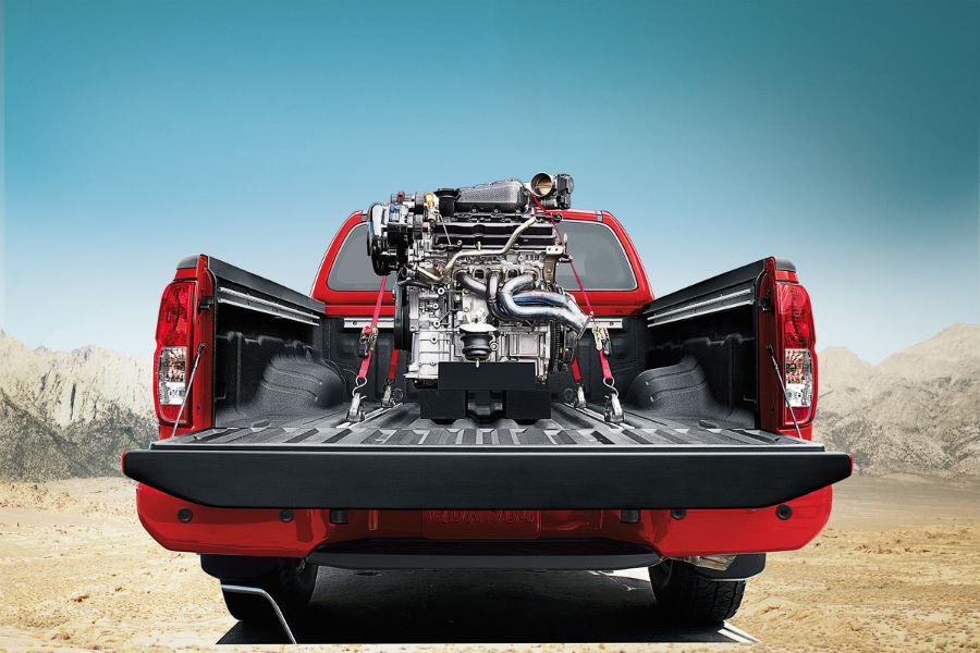 2018 nissan frontier with engine in the bed