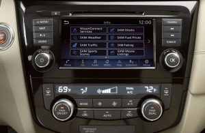 2020 Nissan Rogue infotainment screen