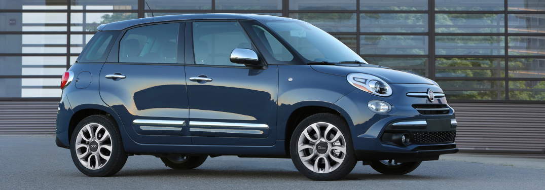 side view of blue 2019 fiat 500l