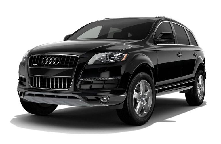 2016 Audi Q7 in black on a white background