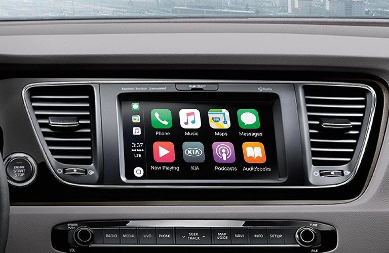 Apple CarPlay in 2020 Kia Sedona