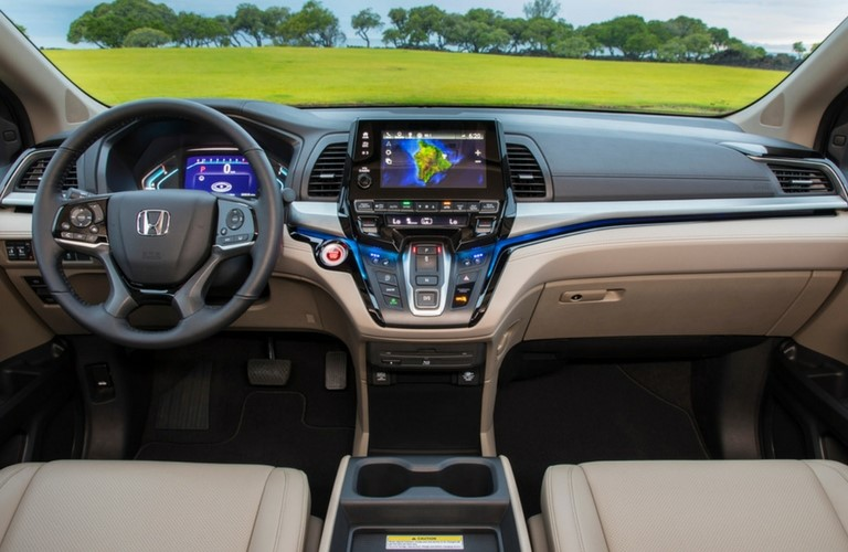 Dashboard And Front Seats In 2019 Honda Odyssey