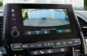 2019 Honda Odyssey rearview camera with guidelines