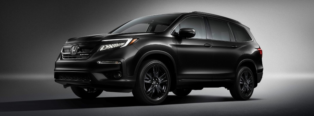 2020 Honda Pilot Black Edition exterior showcase shot with Crystal Black Pearl paint color and accents