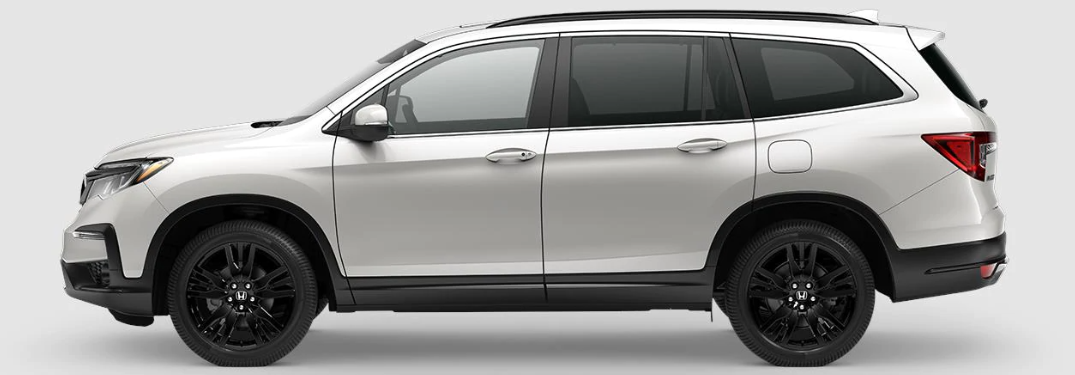 2021 Honda Pilot Special Edition SE in Platinum White Pearl exterior side shot