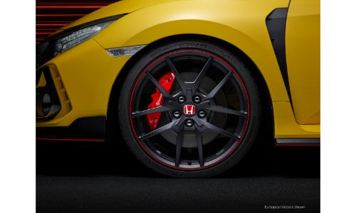 2021 Honda Civic Type R Limited Edition exterior closeup of tire, wheel, and brembo brake